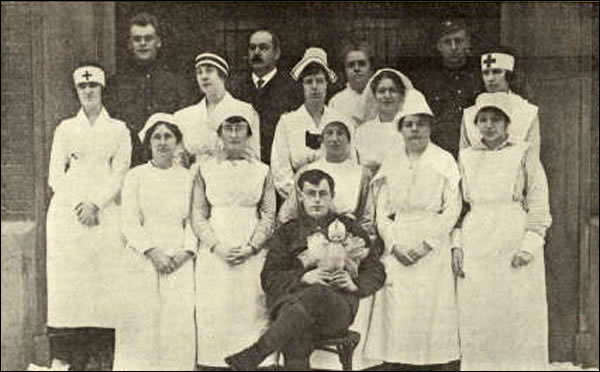 Volunteer nurses at the King George V Seamen's Institute in St. John's during the Spanish influenza pandemic.